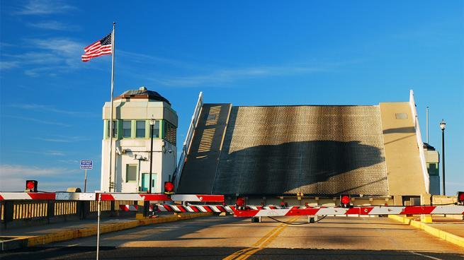 a drawbridge in the U.S.
